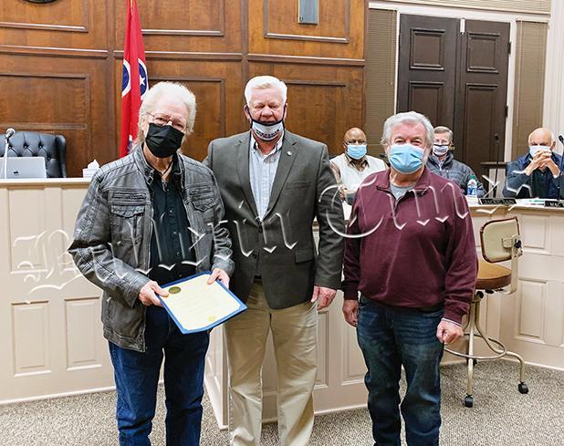 McAlpin, Hardeman County Mayor Jimmy Sain, and 10-O-C Band leader Dave Pulse.