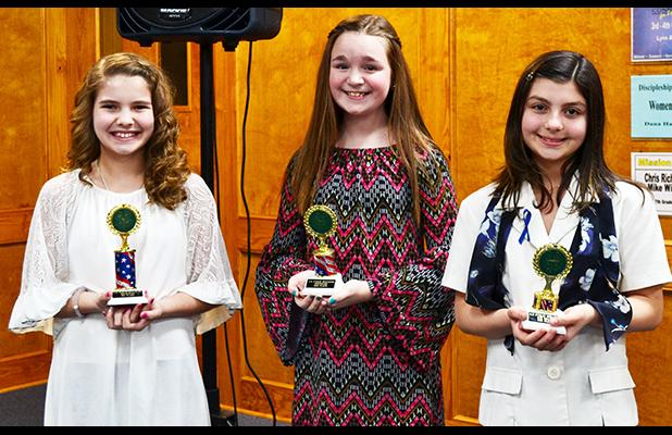 4-H public speaking contest winners sixth grade pictured (l-r): Ella Willis (first place), Alexis Williams (second place), and Peyton Keller (third place). Photo by Gary Rodgers