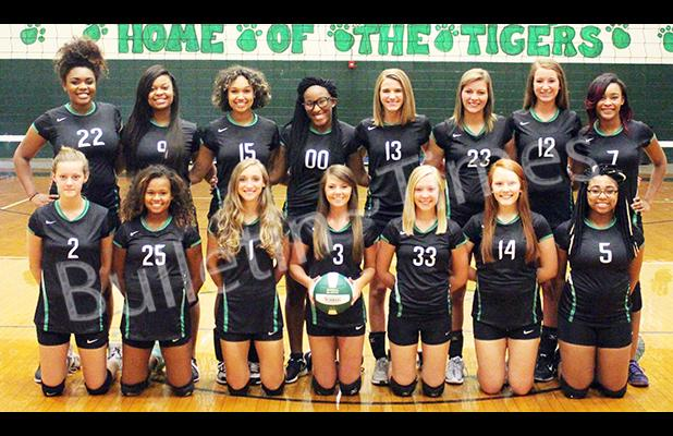 front row: Laney Seever, DeeDee Traylor, Hannah Pattat, Allie Turner, Harley Morris, Keaton Sisk, Star Blair. Back row: Jaylan Armour, Tamia Puckett, Mona Traylor, Kay Brown, Bailee Barnes, Chloe Seever, Dallas Williams, Lejerica Young.
