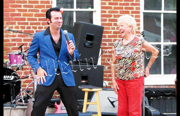 Brian Lee Howell and friend on stage in 2014. Photo courtesy Ken Savage.